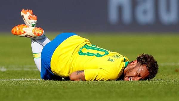 Video Momen-momen Neymar Dihabisi Pemain Swiss