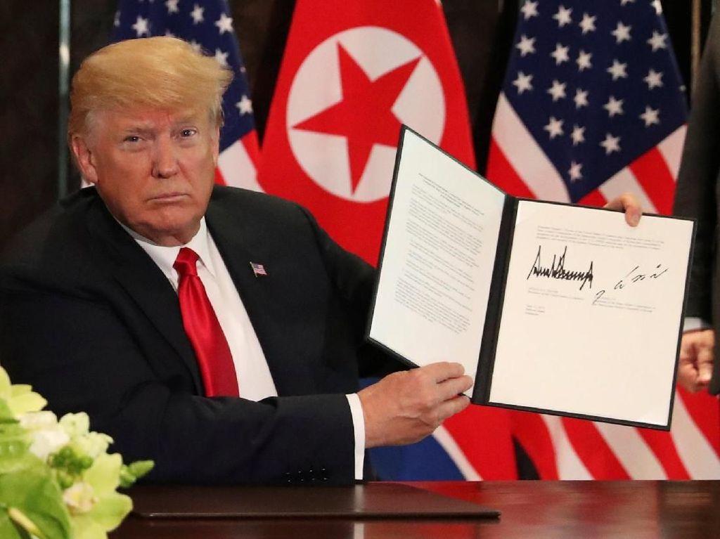 Melihat Citra Karakter Trump dan Kim Jong-Un Lewat Tanda Tangan