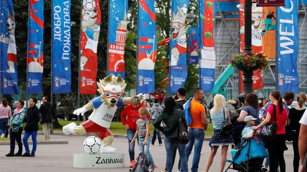 130.000 Merchandise Abal-abal Piala Dunia Disita