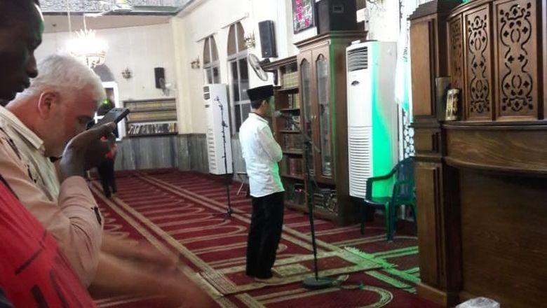 Membanggakan, Mahasiswa RI Jadi Imam Rutin Tarawih di Lebanon