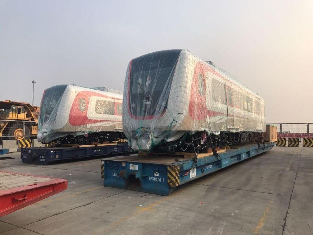Enam Gerbong LRT Jakarta dari Korsel Kembali Tiba