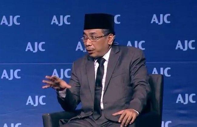 Kecaman dan Pembelaan untuk Yahya Cholil Staquf
