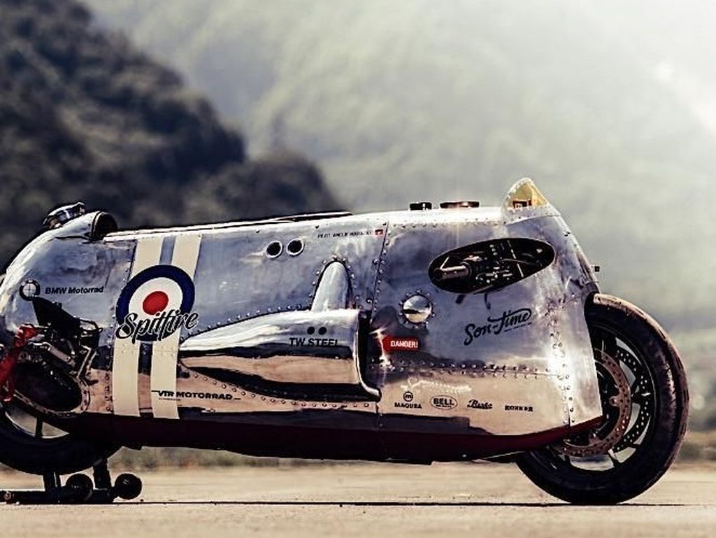 Motor Modifikasi Ini Bergaya Pesawat Tempur