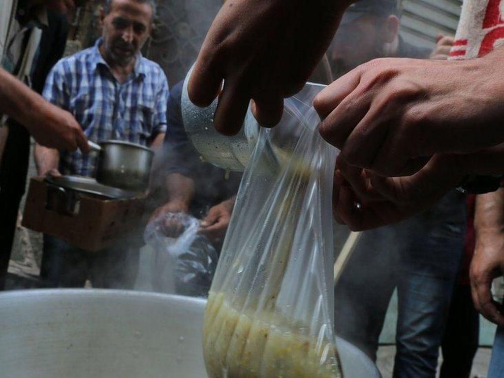 Krisis Makin Parah, Warga Gaza Berpuasa dalam Keprihatinan