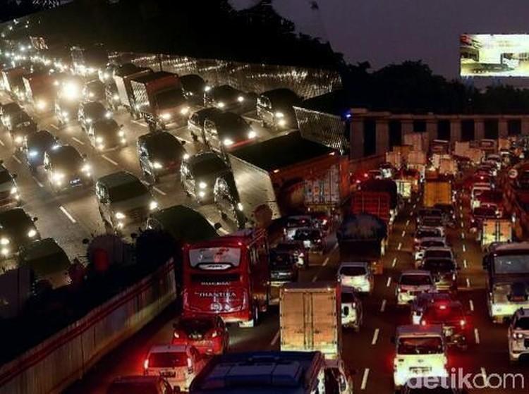 One Way ke Jakarta Diperpanjang Hingga Cikarang