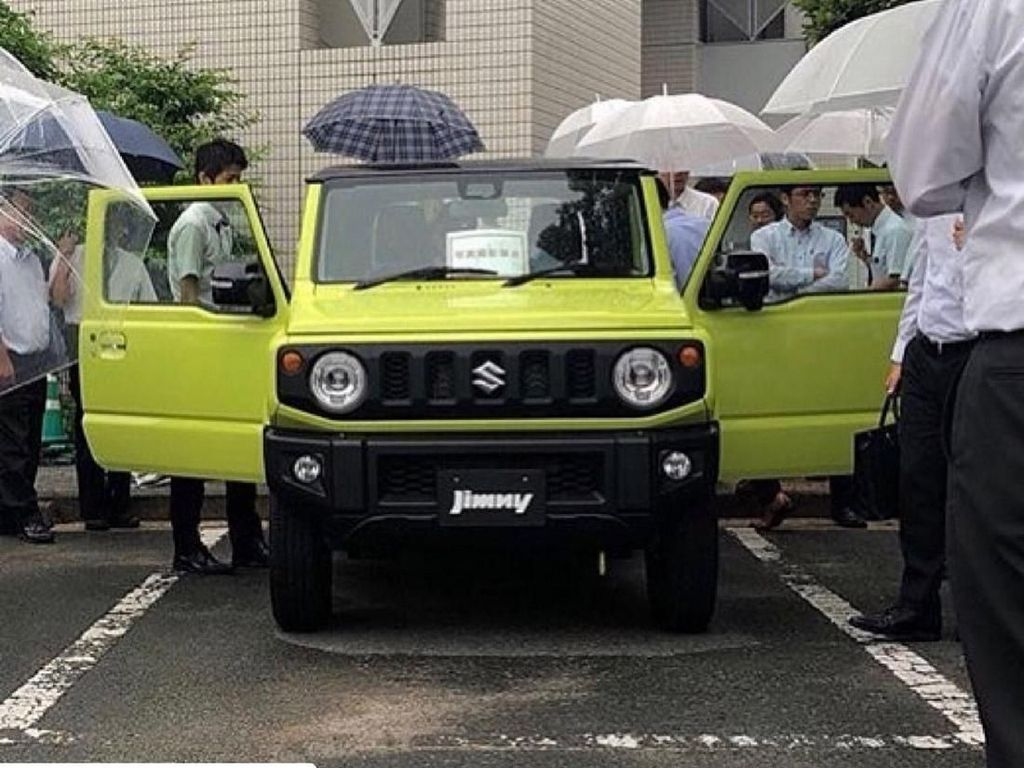 Suzuki Jimny Mirip Land Rover Mengaspal Bulan Depan