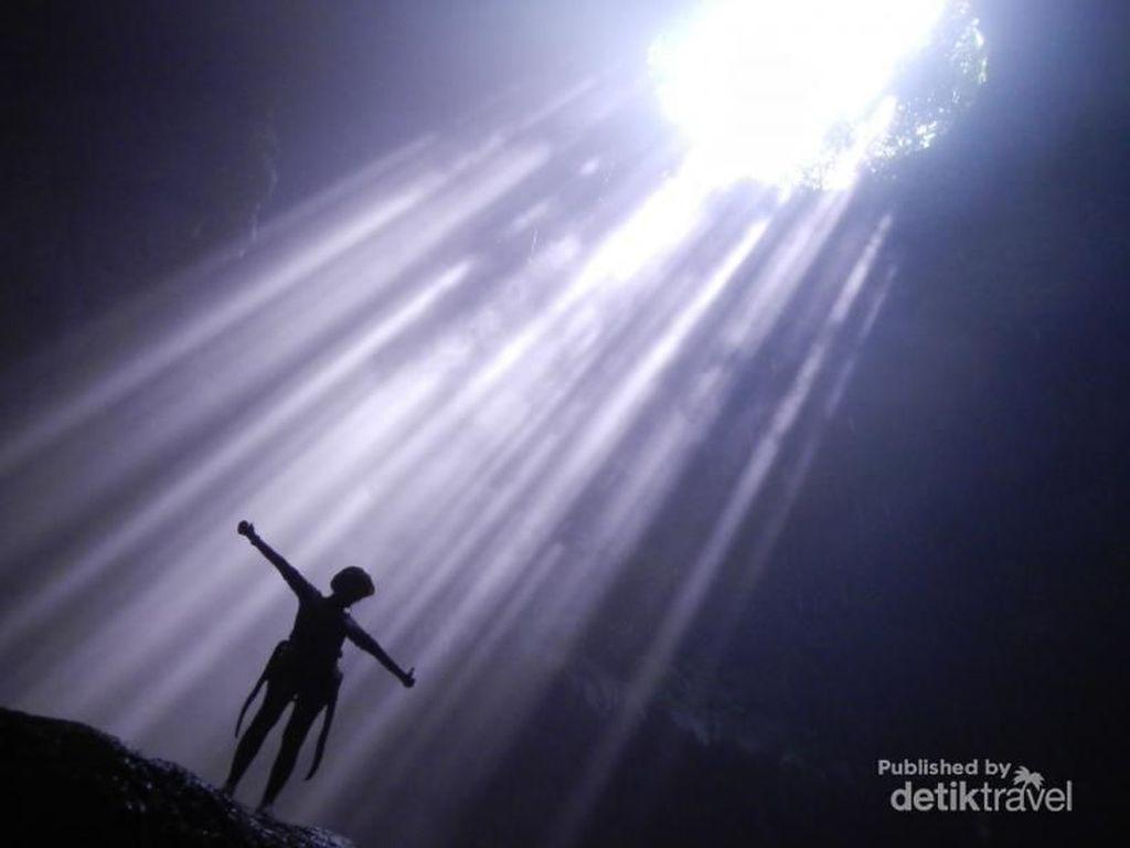 Foto: Keindahan Cahaya Surga yang Terancam
