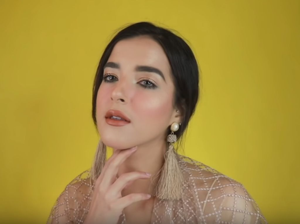 8 Tutorial Makeup dari Beauty Vlogger untuk Idul Fitri, Simpel Tapi Cetar