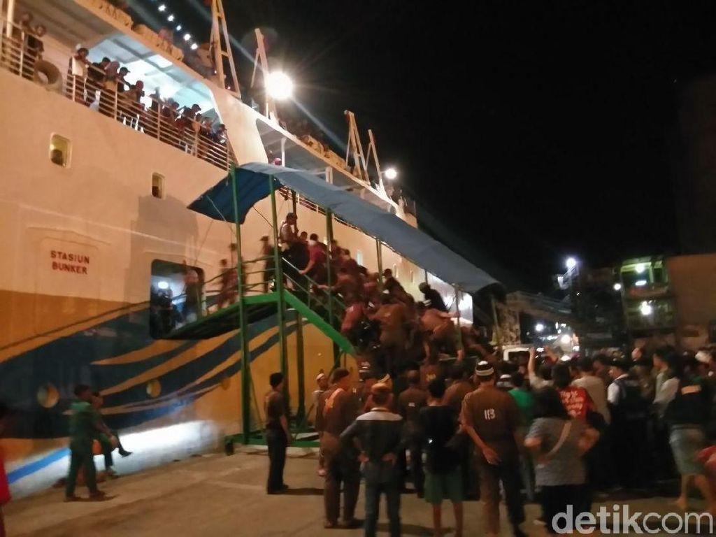 Puncak Arus Balik di Pelabuhan Makassar Diprediksi Terjadi Hari Ini