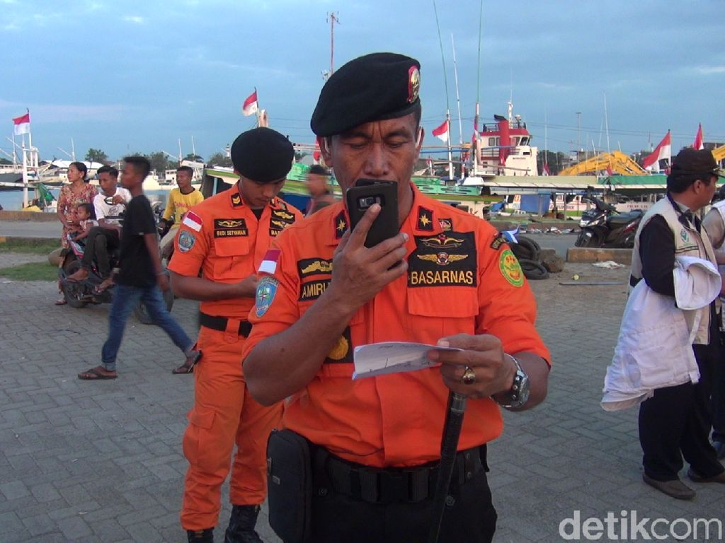 Kapal Tenggelam di Makassar, 8 Penumpang Belum Ditemukan