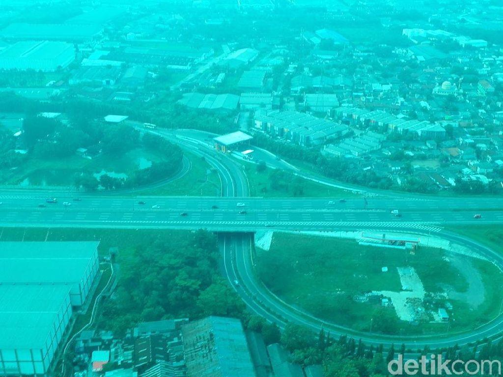 Pantauan Udara H-1 Lebaran, Tol Tangerang-Serang Lancar