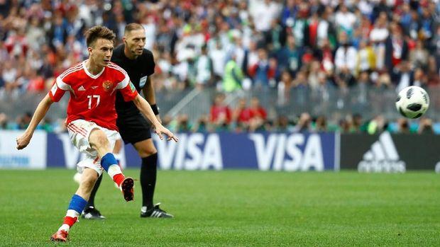 Aleksandr Golovin mencetak gol penutup Rusia atas Arab Saudi.