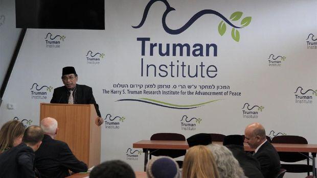 Cara Yahya Cholil Staquf Jawab Kecaman soal Kunjungan ke Israel