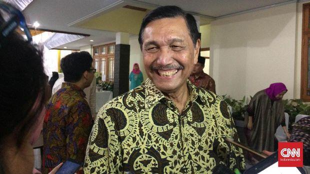 Politisi PDIP: Pemerintah Amatir Tangani TKA di Tengah Corona