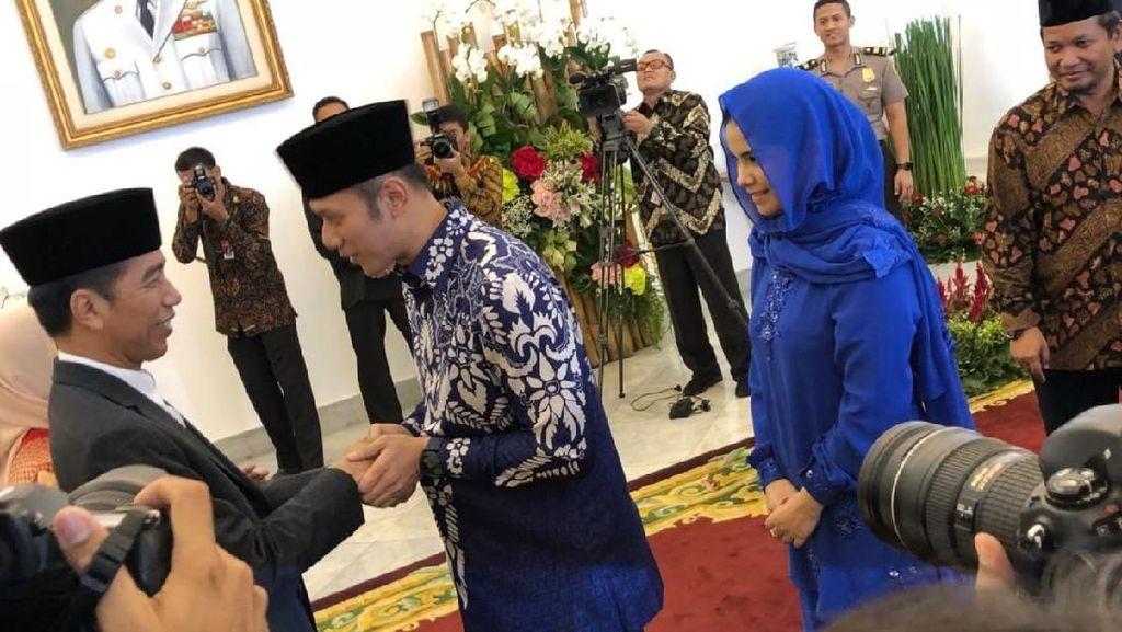 Foto: AHY-Annisa Salam-salaman dengan Jokowi di Istana Bogor