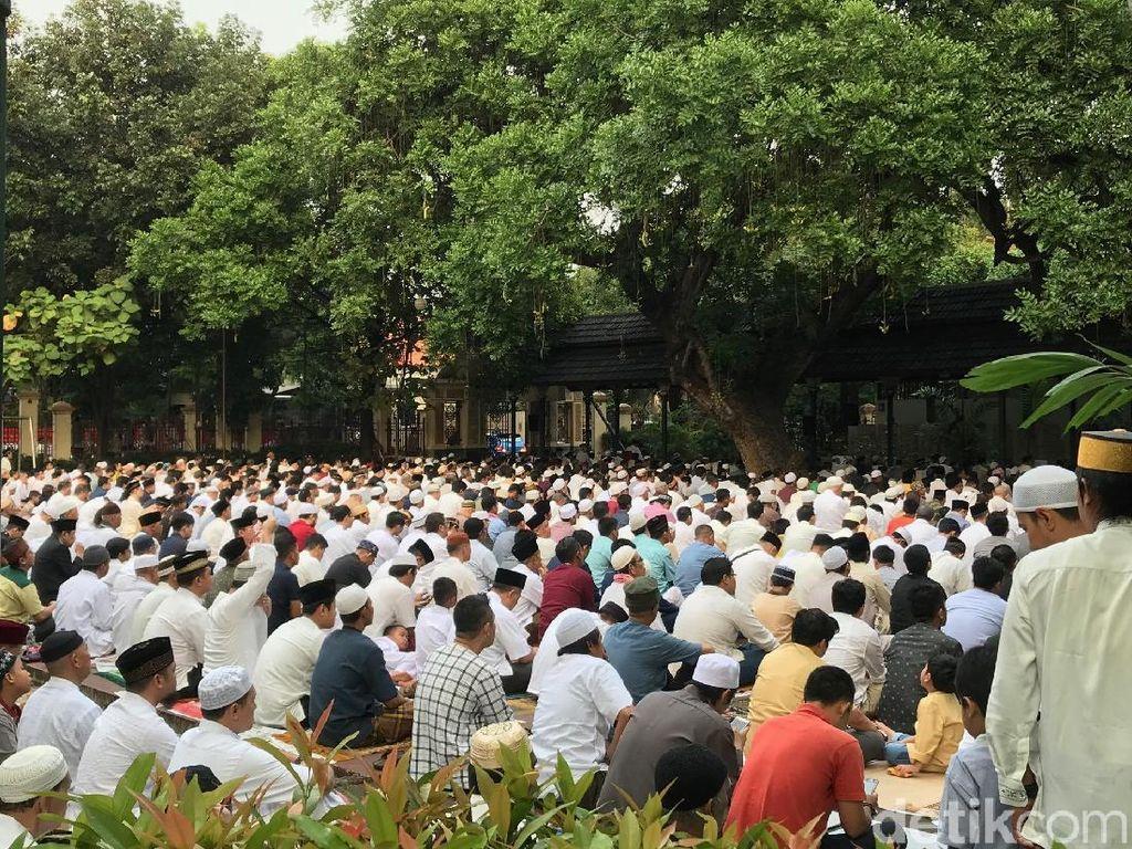 Foto: Suasana Salat Idul Fitri 1439 H di Masjid Sunda Kelapa