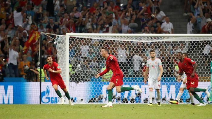 Timnas Portugal saat melawan Spanyol. (Foto: Francois Lenoir/Reuters)