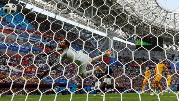Gawang Australia yang dibobol oleh Paul Pogba dalam pertandingan melawan Prancis, di Kazan Arena, Kazan, Rusia, 16 Juni.