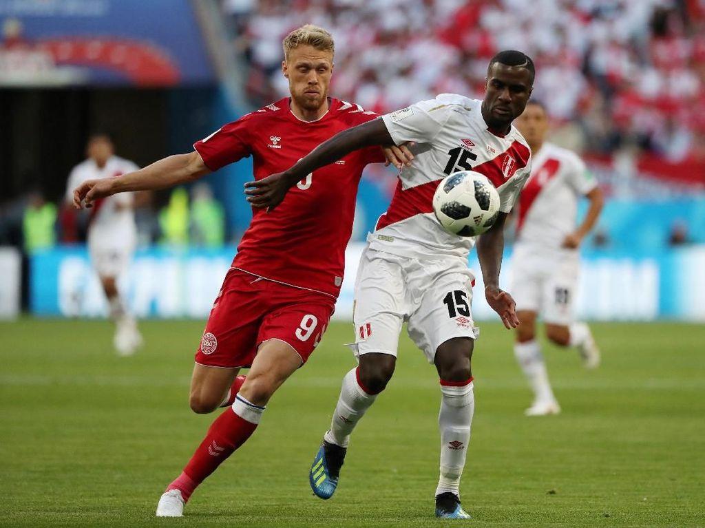 Cueva Gagal Penalti, Peru vs Denmark 0-0 di Babak Pertama