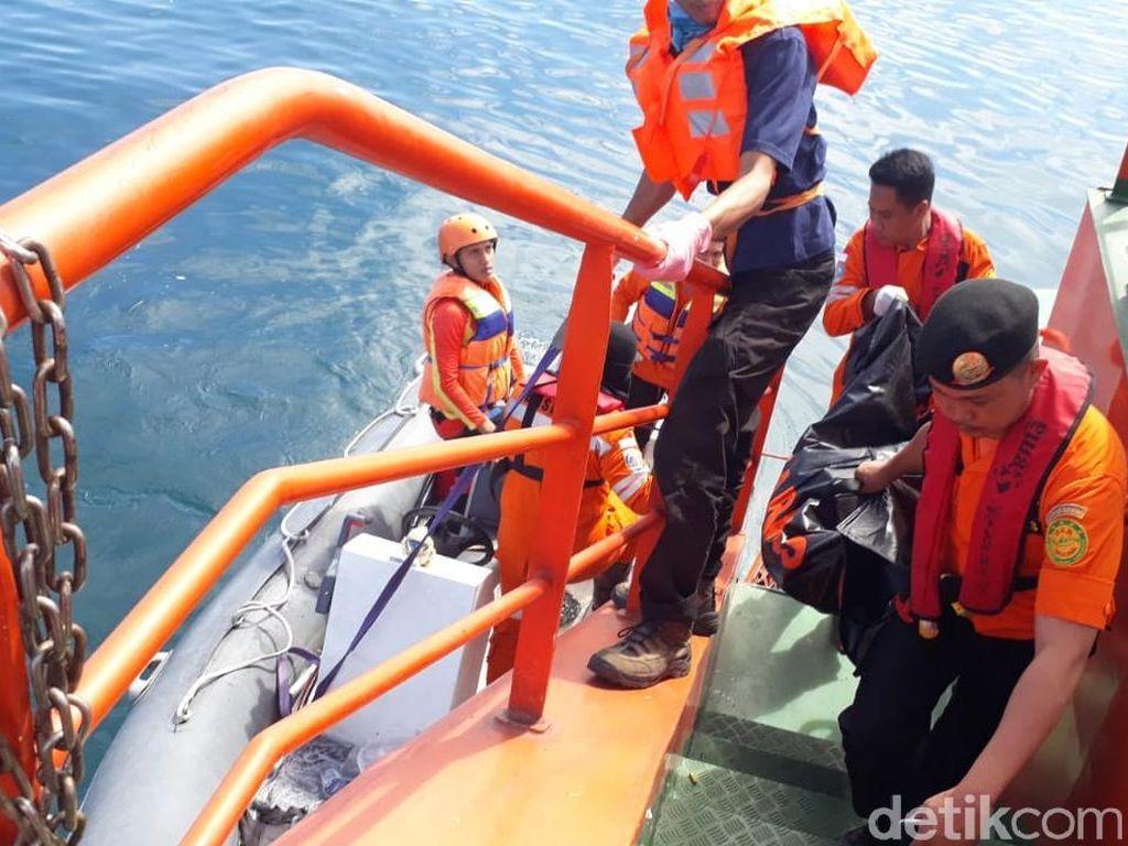 Korban Tewas Kapal Tenggelam di Makassar Jadi 17 Orang