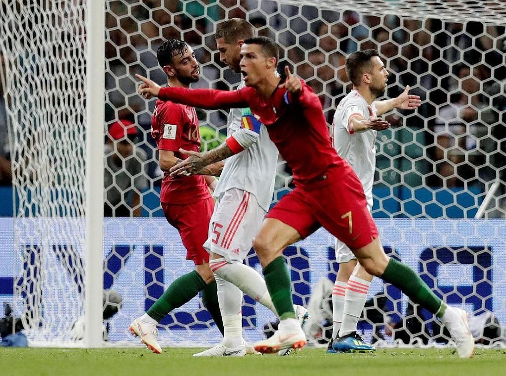 Babak I: Ronaldo Bawa Portugal Ungguli Spanyol 2-1