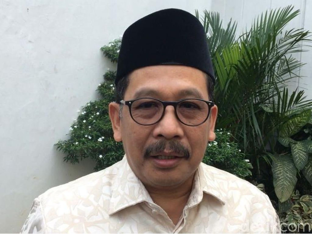 Wamenag Minta Wali Kota Pariaman Cermat Baca SKB 3 Menteri soal Seragam