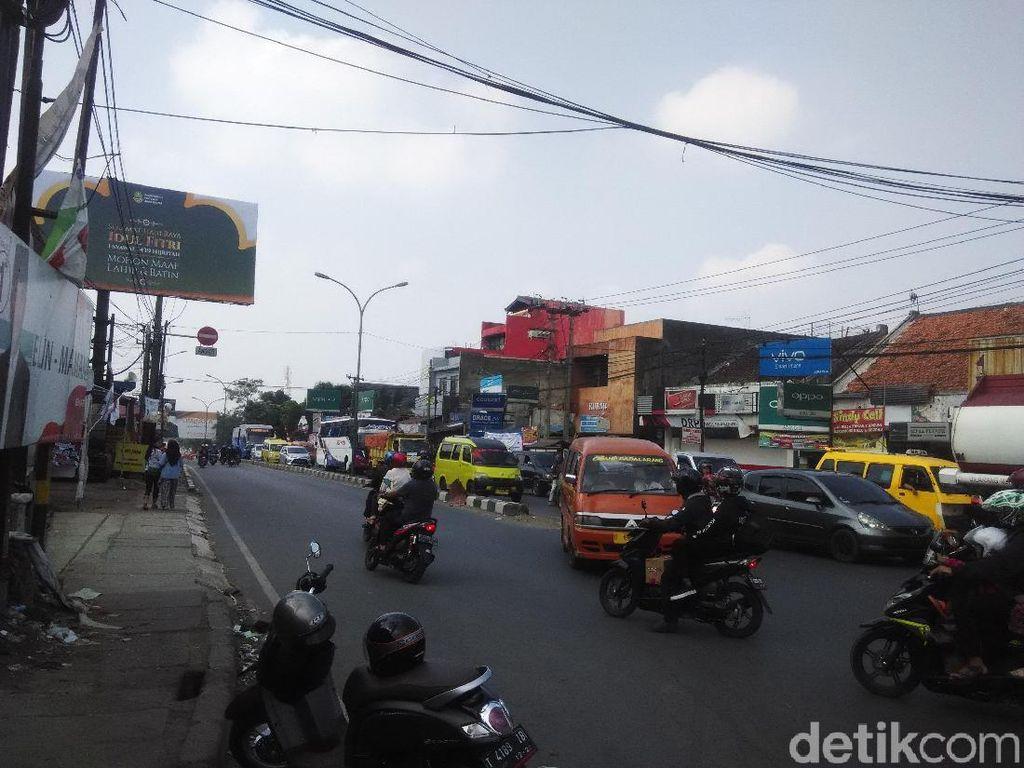 H+1 Lebaran, Padalarang Arah Sukabumi-Cianjur Padat Kendaraan