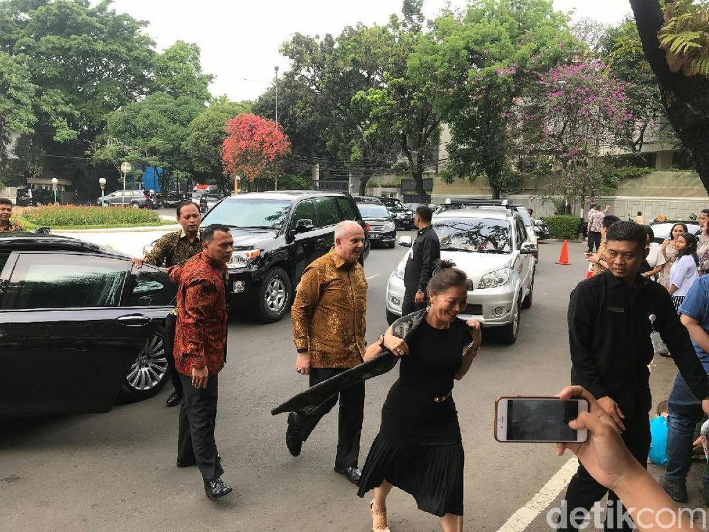 Kesan Dubes AS Pertama Kali ke Open House Chairul Tanjung