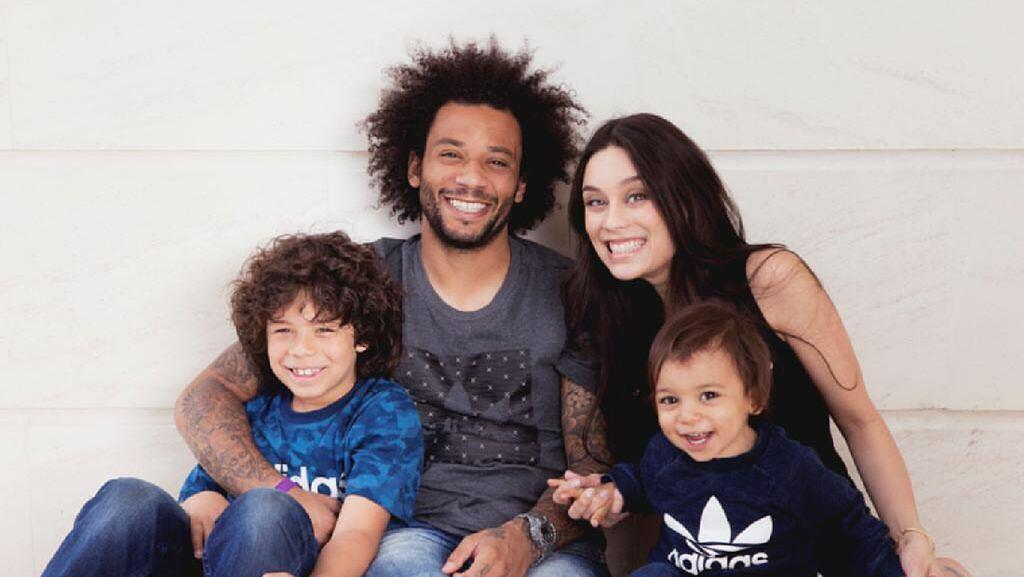 Ole! Ini Potret Manis Keluarga Marcelo Vieira Bersama Keluarga