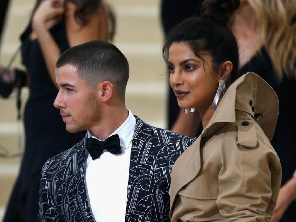 10 Pesona Priyanka Chopra yang Bikin Nick Jonas Kepincut