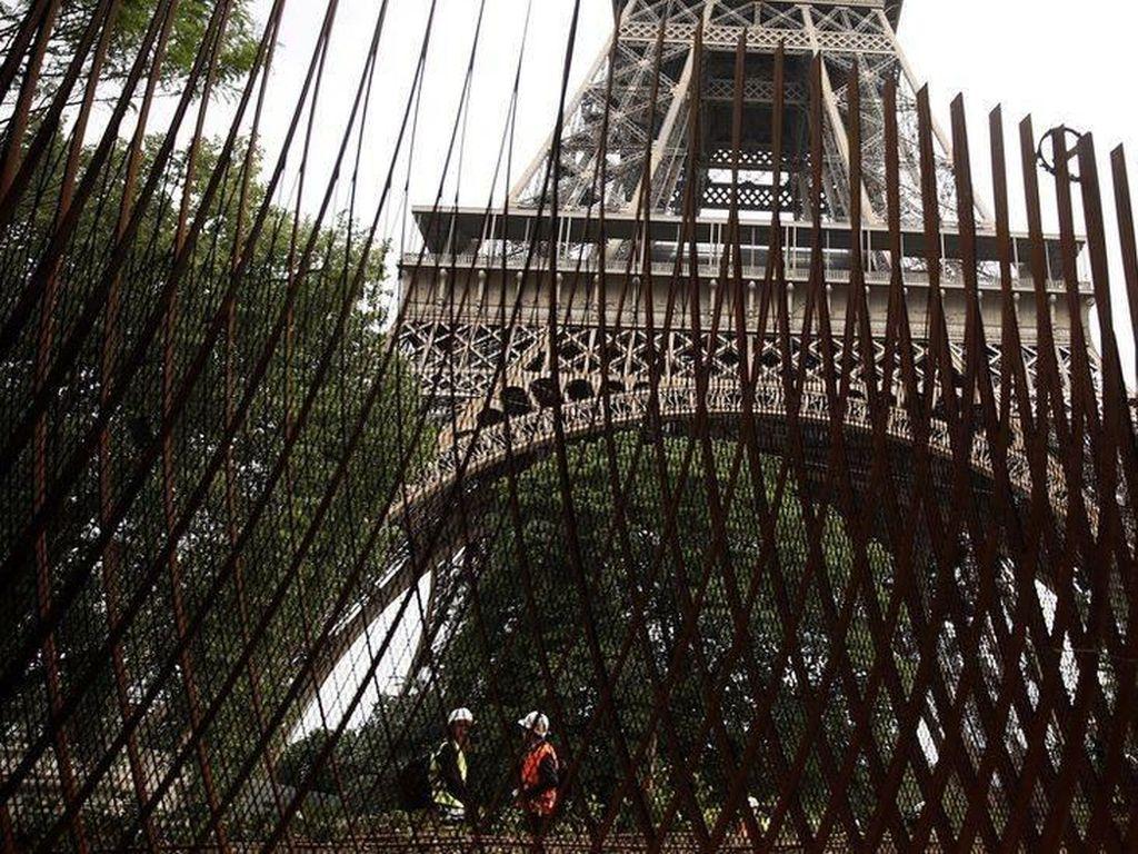 Pagar Antiterorisme Dipasang di Menara Eiffel