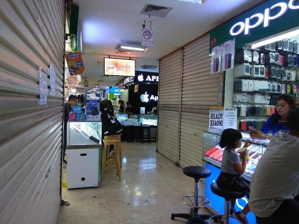 Makin Sepi, Pedagang HP di Toko Mulai Kehilangan Pembeli