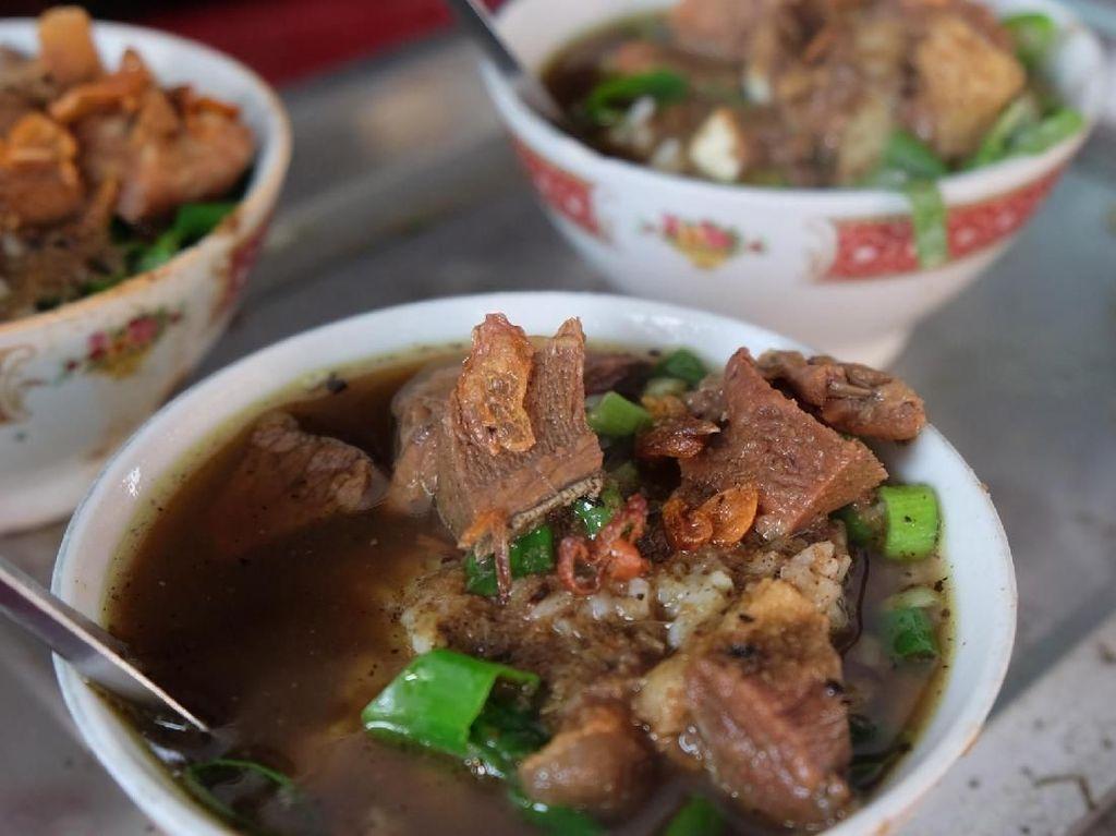 Kuliner Mudik! Cicipi Nasi Grombyang di Alun-alun Pemalang