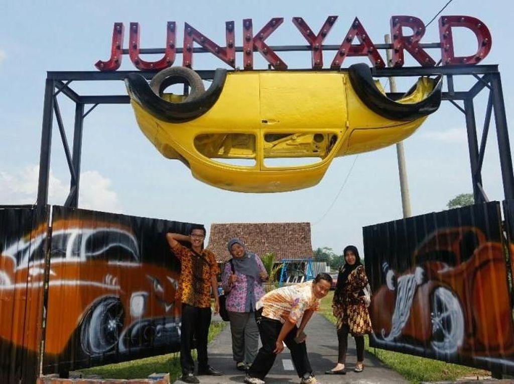 Sudah Main ke Junkyard Autopark di Magelang?
