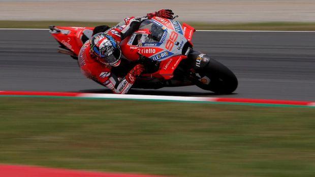 Jorge Lorenzo berhasil memenangi duel lawan Marc Marquez di MotoGP Republik Ceko.