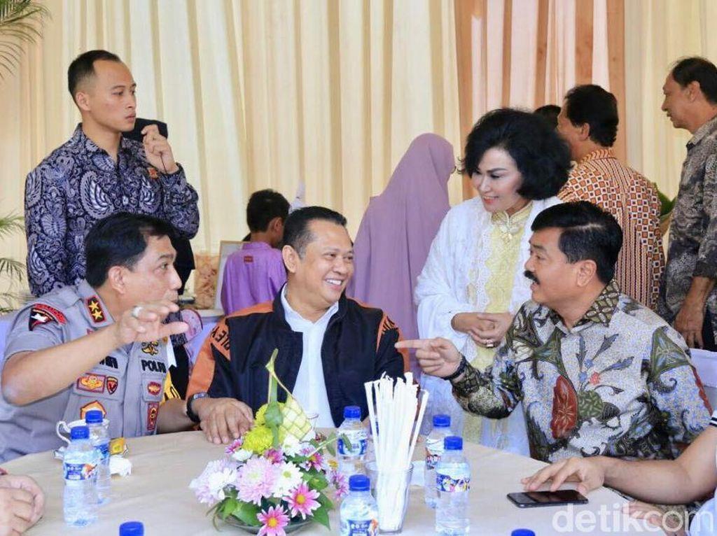 Saat Panglima TNI Menjamu Ketua DPR RI, Kapolda Jatim dan Pangdam