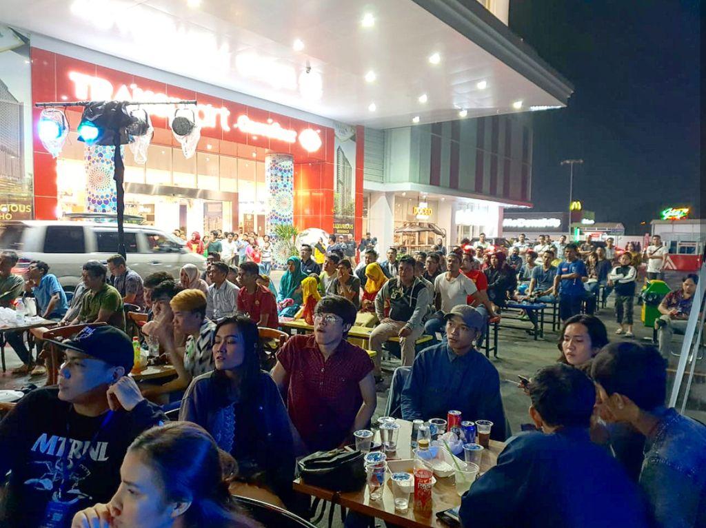 Seru-seruan Nonton Bareng Piala Dunia di Transmart Carrefour