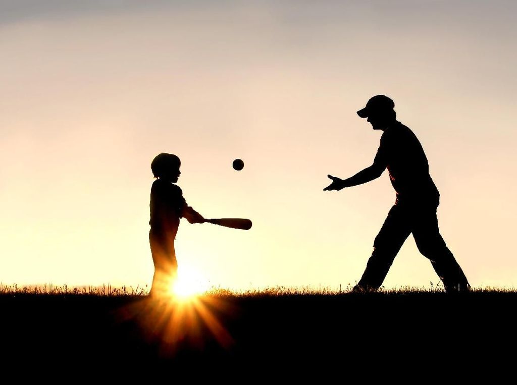Suami Enggan Urus Anak karena Dad Shaming, Ini Pemicunya