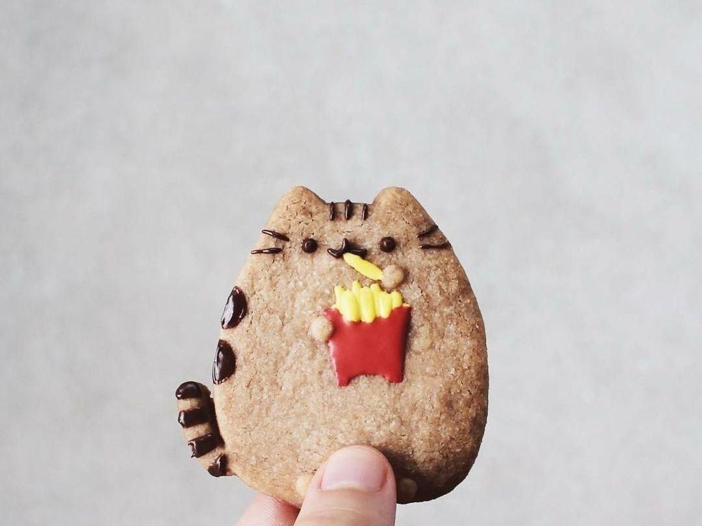 Gemas! 10 Pusheen Cookie Ini Sedang Makan Ramen hingga French Fries