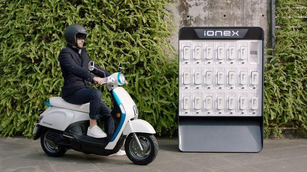 Baterai Motor Listrik Habis Tinggal Tukar Baterai yang Penuh