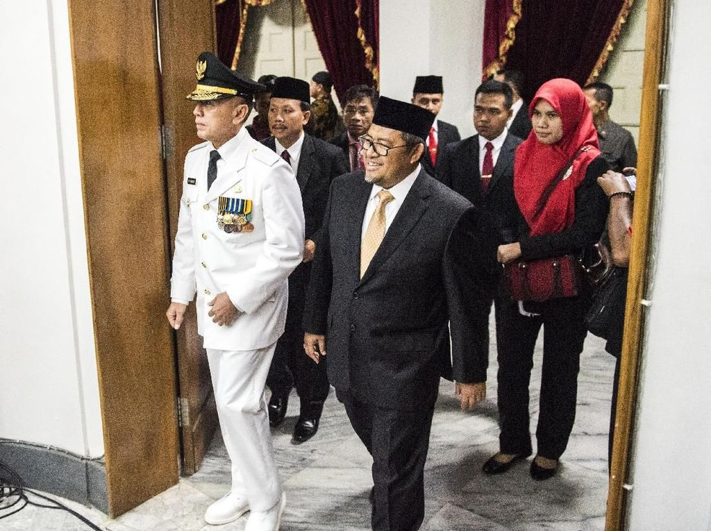 Foto: Detik-detik Komjen Iriawan Dilantik Jadi Pj Gubernur Jabar