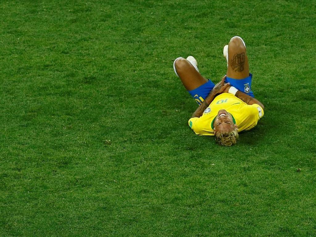 Neymar Dimatikan, Brasil Tertahan
