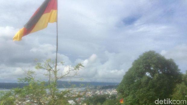 Ambon Ikut Meriahkan Piala Dunia 2018 dengan Bendera Negara Peserta