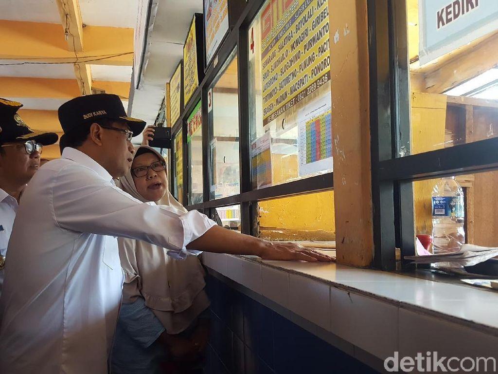 Menhub Cek Arus Balik di Terminal Kampung Rambutan