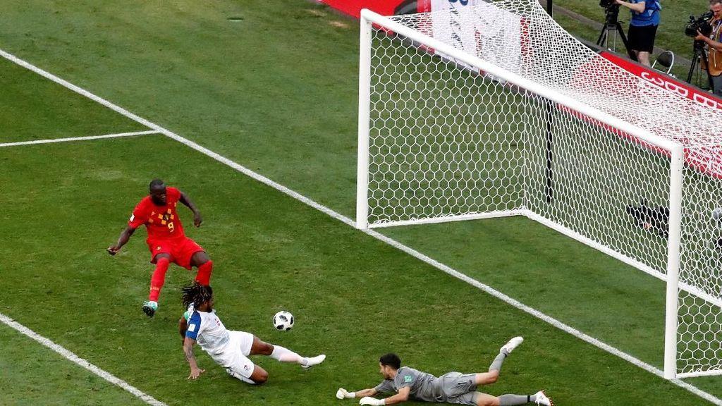 Hazard Ingatkan Belgia Punya Lukaku yang Selalu Lapar Gol