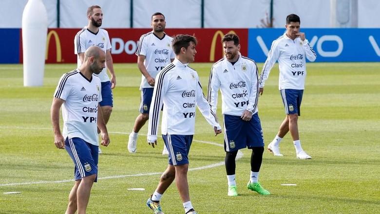 Dybala: Tak Usah Diingatkan, Argentina Pasti Dukung Messi