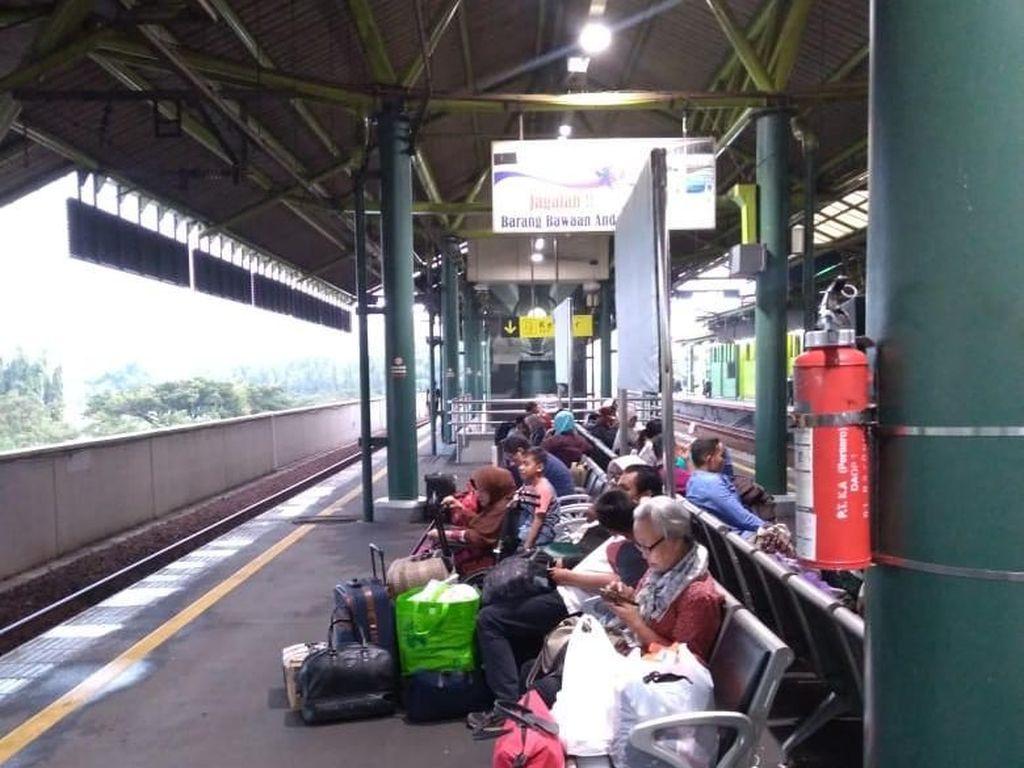 Arus Balik, Masih Banyak Pemudik di Stasiun Gambir