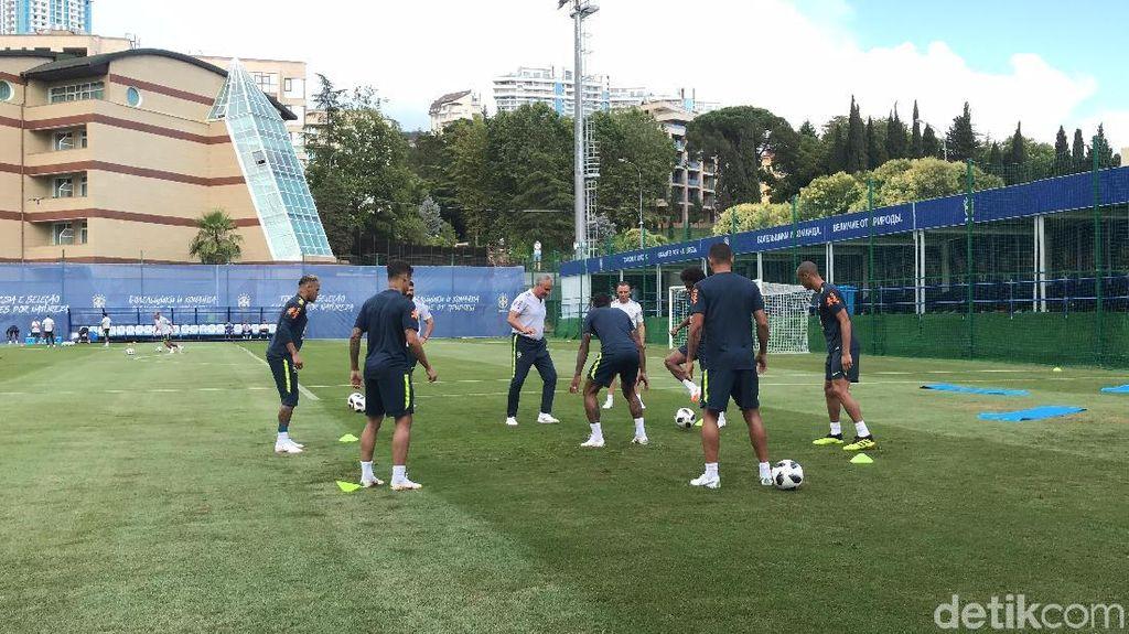 Mengintip Latihan Timnas Brasil