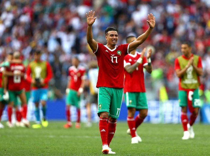 Timnas Maroko memberi applause ke pendukungnya usai kalah 0-1 dari Portugal di laga kedua Grup B Piala Dunia 2018. (Foto: Dean Mouhtaropoulos/Getty Images)