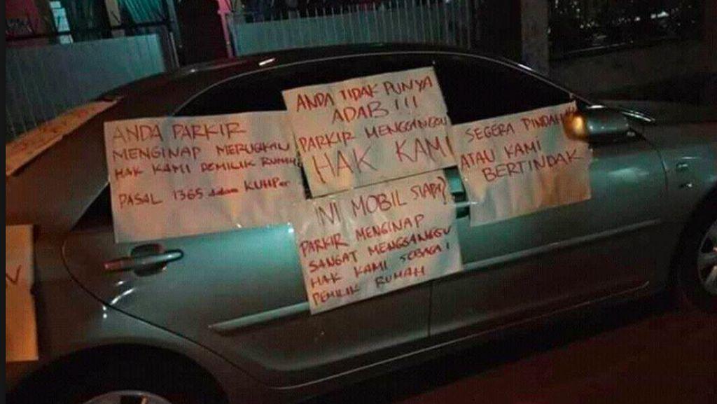 Parkir Sembarangan, Mobil Jadi Sasaran Kekesalan Warga